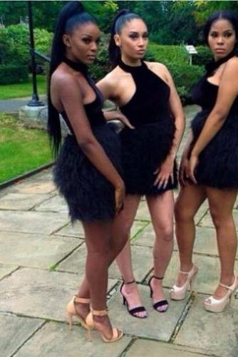 2017 Ball Gown Homecoming Dresses Sleeveless Halter Short/Mini Feathers/Fur Custom Made Zipper Dresses