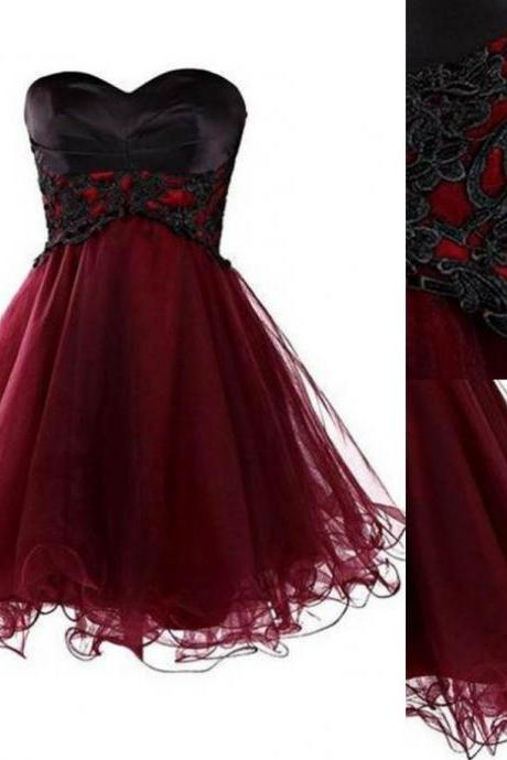 2017 A-line Homecoming Dresses Sleeveless Sweetheart Knee-length Applique Custom Made Lace Up Dresses