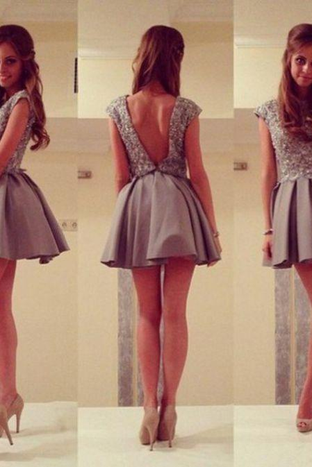 Grey Homecoming Dresses Hollow Sleeveless A lines Jewels Short Lace/Satin Crystal Beads Ruffle