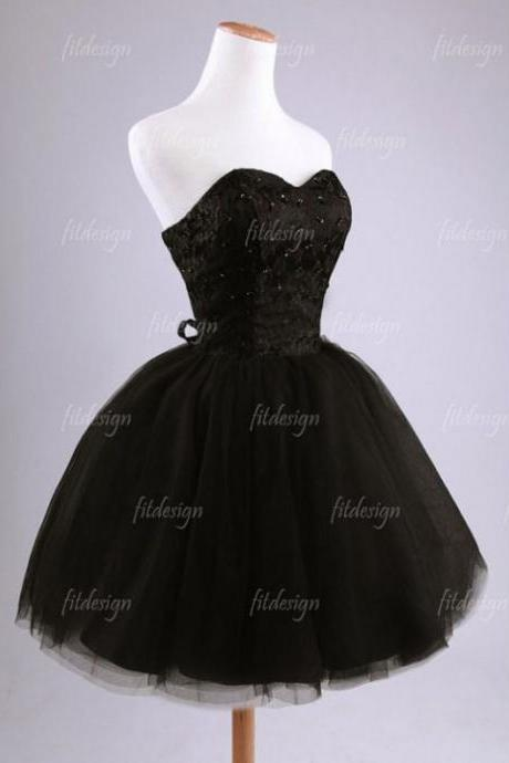 Black Homecoming Dresses Sheer Back Sleeveless Empire Sweetheart Neckline Above-Knee Lace
