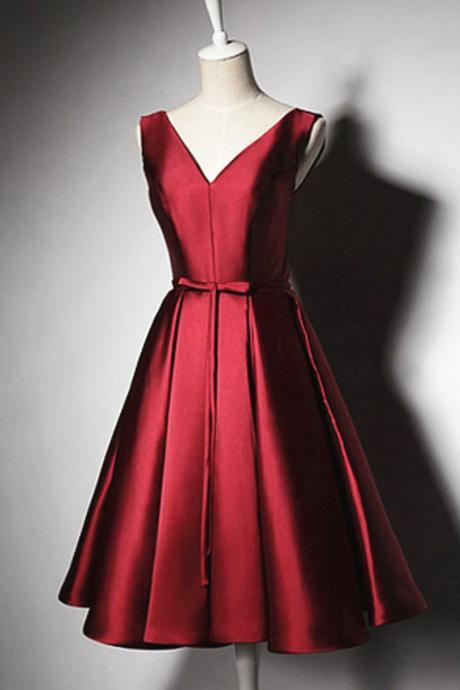 Burgundy Satin Homecoming Dresses,A-line V-neck Homecoming Gowns,Knee-length Lace-up Homecoming Dress With Pleats Sashes
