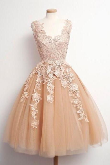 Lovely V neck Lace Bodice Tulle Champagne Short Prom Dresses Cocktail Dress Knee Length Homecoming Dresses