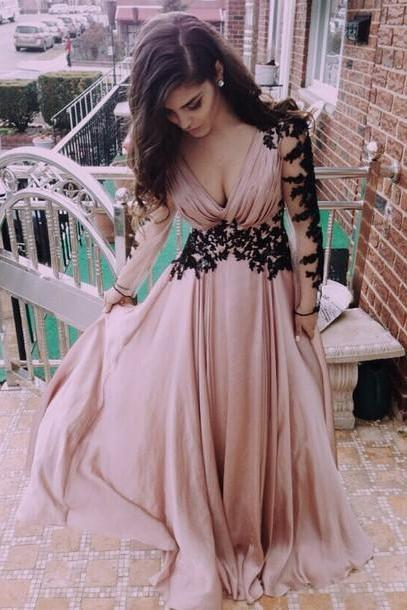 Classic A-line Long Sleeves Blush Pink Prom Dress with Black Appliques