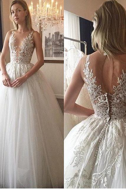 Elegant A-line White Long Wedding Dress with Lace Appliques